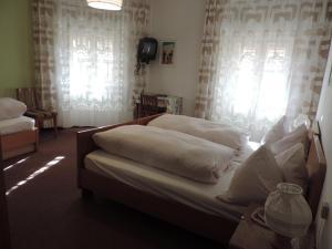 Hotel Christin, Отели  Ора - big - 25