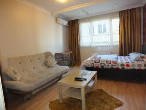 Studio (3 Adults) Taksim 9 Suites Apartments