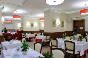 Hotel Giulio Cesare, Отели  Рим - big - 47