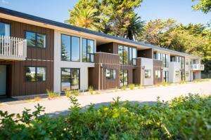 Waikanae Beach Ocean View Apartments