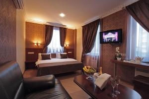 Отель Бродвей