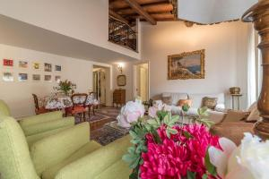 Quiet and classic on two floors, by Trevi Fountain - abcRoma.com