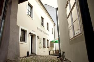 Albergues - Penzion a restaurace Modrá růže Tábor