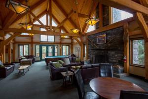 HI-Lake Louise Alpine Centre - Accommodation - Lake Louise