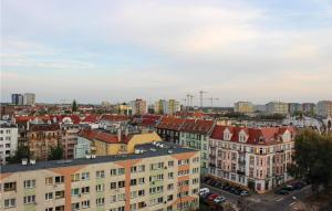 Awesome apartment in Wroclaw w WiFi and 2 Bedrooms