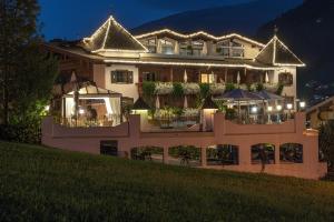 Romantik Hotel Alpenblick Ferienschlössl - Hippach