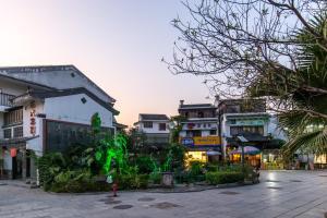 Floral Hotel Xishe Vila