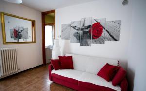 Casa Gioele appartamento rosso - AbcAlberghi.com