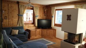 Family and Wellness Residence Ciasa Antersies - Hotel - San Cassiano