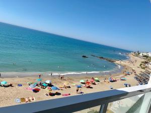 APARTAMENT AGUAMARINA ON THE BEACH FRONT - Hotel - Mijas Costa