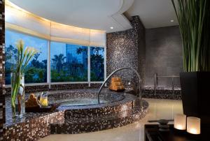 The Residences of The Ritz-Carlton Jakarta Pacific Place, Aparthotels  Jakarta - big - 13