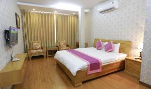 Tan Long Lakeside Apartment & Hotel