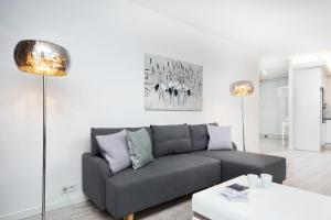 Apartment Warsaw Moonlight 1 by Renters