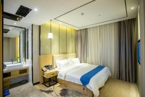 . Yijing Mountain Hotel