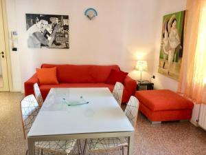 Ampio appartamento a Rimini vicinissimo al mare - AbcAlberghi.com