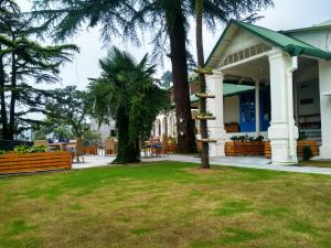 Hotel Pine Retreat Mallroad