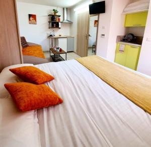 Accommodation in Saint-Jean-d'Ardières