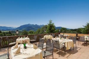 Hotel Restaurant Ferienwohnungen ALPENHOF, Apartmanhotelek  Übersee - big - 1