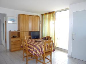 Apartment Rue de la Montjoie