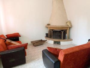 House with 2 bedrooms in Lesvos with enclosed garden and WiFi 13 km from the beach