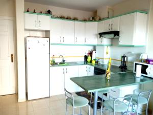 Apartment with one bedroom in San Sebastian de La Gomera with wonderful sea view enclosed garden and WiFi 500 m from the beach