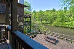 Chattahoochee River Edge Condominiums - Apartment - Helen