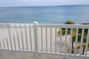. Ocean Sprays - Villa 1A at The Hamilton Beach Villas and Spa