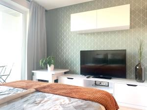 Luxury bright Studio with parking and balcony in Bratislava center