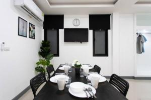P3 Silom Large 2beds full kitchen WIFI 4-6pax