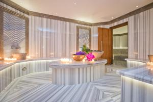 Four Seasons Hotel des Bergues Geneva (40 of 82)