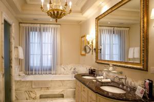 Four Seasons Hotel Firenze (5 of 109)