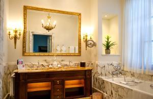 Four Seasons Hotel Firenze (2 of 109)