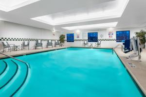 Holiday Inn & Suites Raleigh Cary, an IHG hotel