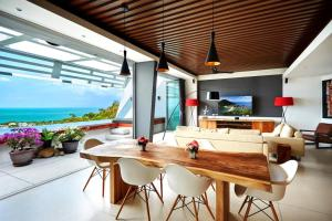 Stunning Ocean View Deluxe Villa with Pool & Sala