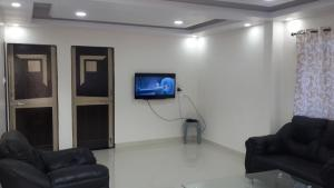 . LUXURY AC FLAT FOR 4 TO 6 PEOPLE