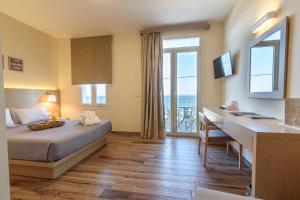 Grecian Castle Hotel (8 of 53)