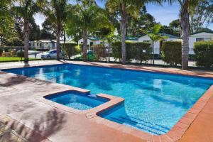 Frankston Holiday Park and Sandhurst Motel