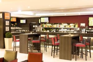 Holiday Inn Express Zürich Airport - Hotel - Rümlang