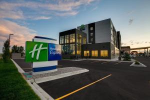 Holiday Inn Express - Lethbridge Southeast, an IHG hotel