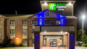 Holiday Inn Express & Suites - Olathe South