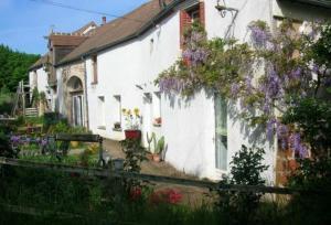 Location gîte, chambres d'hotes Chambre d'hôtes Ermitage Saint Romble dans le département Cher 18