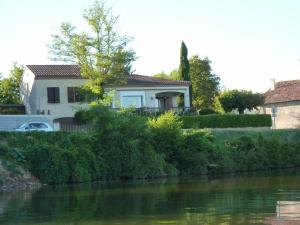 Accommodation in Lagrave