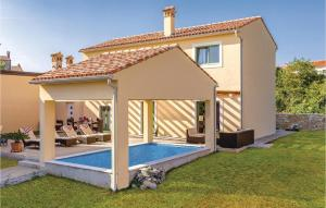 Amazing home in Bale w/ Outdoor swimming pool, WiFi and 2 Bedrooms