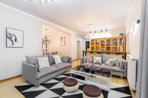Xintiandi Luxury Suite near Lujiabang Road