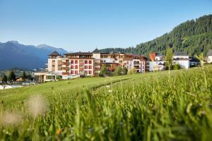 Schlosshotel Fiss - Hotel