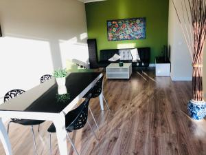 æ 7th floor Gdansk Przymorze Near the Baltic Sea and Reagan Park Apartment with a lot of sun Big balcony and private parking place