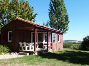 Location gîte, chambres d'hotes Les Chalets des Mousquetaires dans le département Gers 32