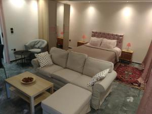 Georges luxury Apartments near Marathon beach and airport
