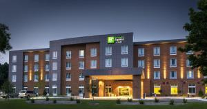 Holiday Inn Express and Suites Madison Central - Hotel - Madison
