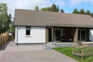 2 Dellmhor Cottages - Hotel - Aviemore